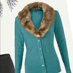 cabi Tea Room Cardi #3018 Faux Fur Removal Collar